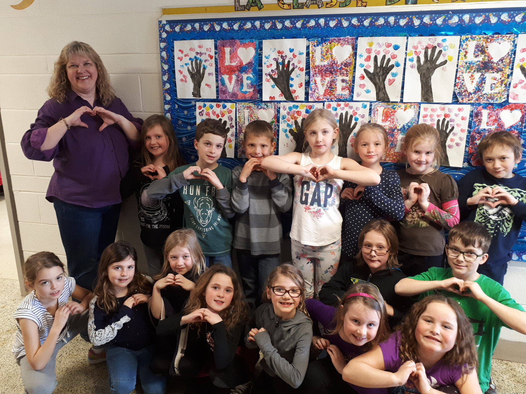One hundred days of school marked by 300 acts of kindness at Leslie Frost